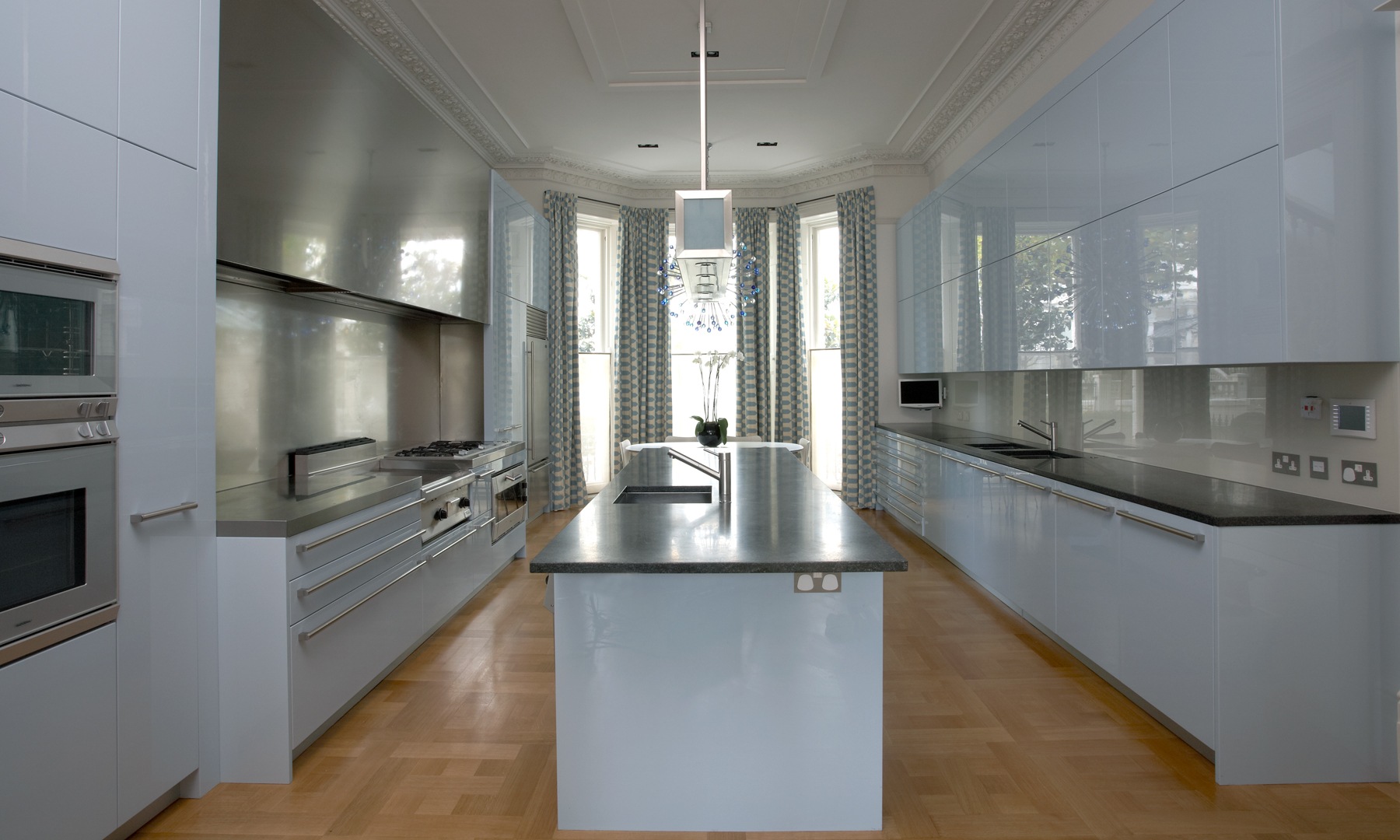 Notting Hill Kitchen View 3